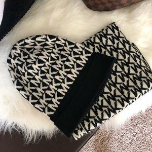 Michael Kors beanie hat and scarf set MK Logo